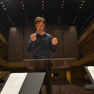 Alejandro_Conductor